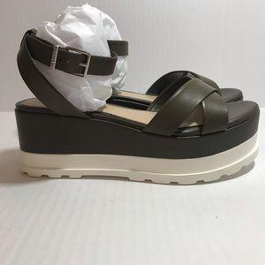 Gianni Bini Dartann Platform Sandals Size 7.5